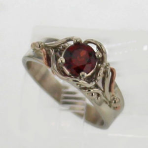 14kw Gold and Garnet Ring $699