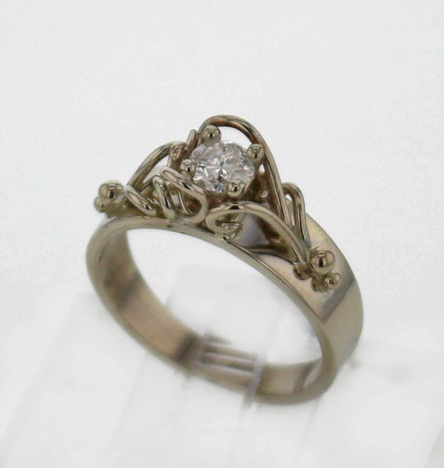 14kw Diamond Ring $1057