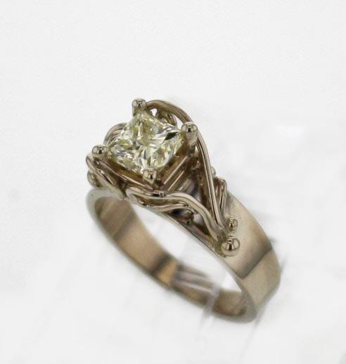 14kw Gold Princess Cut Diamond Ring $4,899