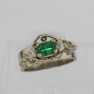 14k White Gold and Natural Emerald and Diamond Ring $1257